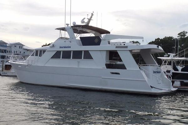 72' Custom Carolina Motor Yacht 2000 | Intermission