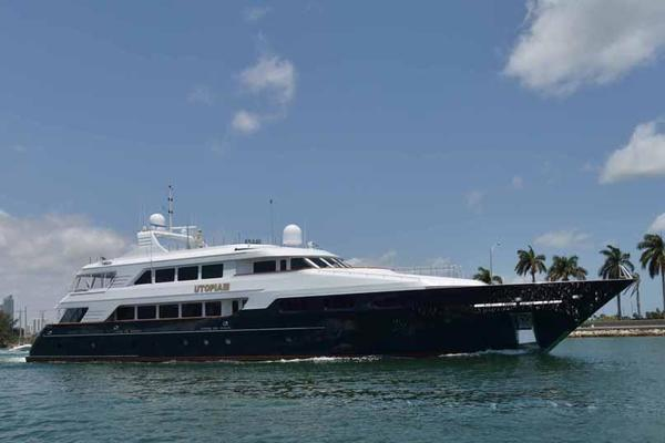 150' Trinity Yachts Semi-displacement 2000 | UTOPIA III