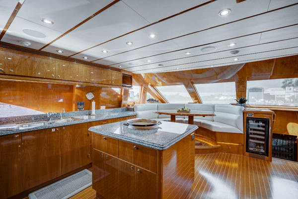 2009 Hargrave 90' 90' Skylounge HEARTBEAT | Picture 8 of 37
