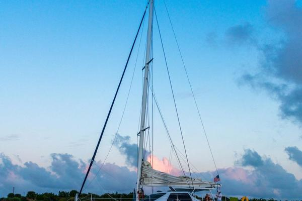 Picture Of: 55' Lagoon 550 1988 Yacht For Sale | 1 of 34