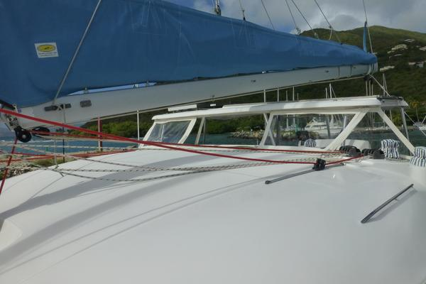 Picture Of: 38' Lagoon Lagoon 380 S2 2010 Yacht For Sale | 2 of 38
