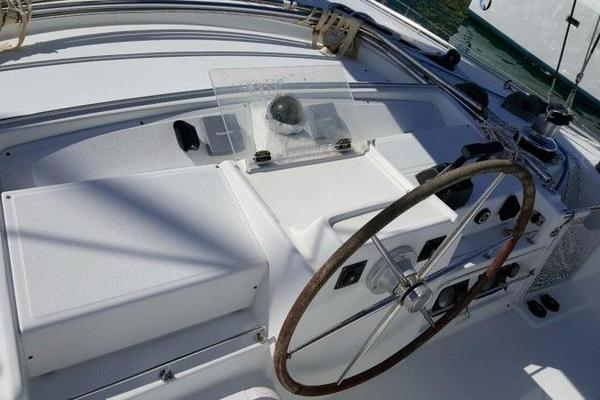 Picture Of: 44' Lagoon 440 2006 Yacht For Sale | 4 of 10