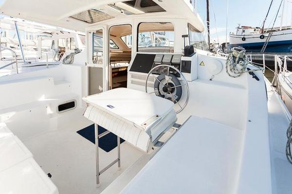 34' Performance Cruising Gemini 105mc 2010 | Pandora