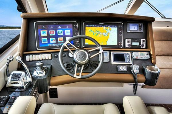 2019 Riviera 52' ENCLOSED FLYBRIDGE- ON ORDER!    Picture 8 of 40