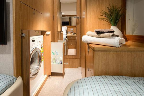 2019 Riviera 52' ENCLOSED FLYBRIDGE- ON ORDER!    Picture 4 of 40
