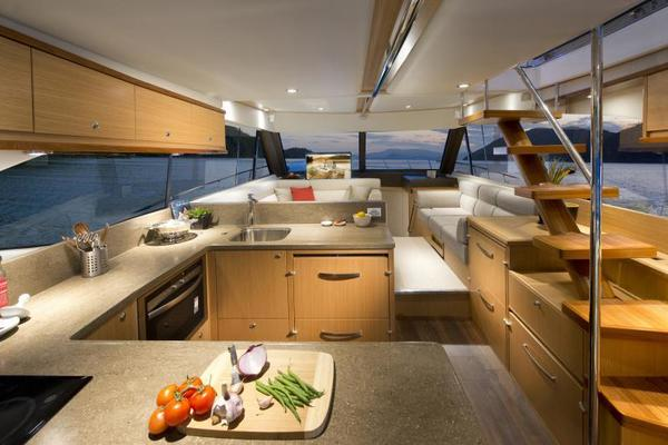 2019 Riviera 52' ENCLOSED FLYBRIDGE- ON ORDER!    Picture 5 of 40