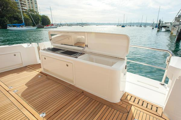 2019 Riviera 52' ENCLOSED FLYBRIDGE- ON ORDER!    Picture 6 of 40