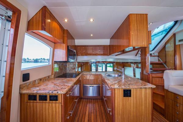 2008 Hatteras 64' 64 Motor Yacht LONE STAR  reserved | Picture 8 of 82