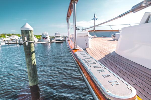 Picture Of: 86' Burger Raised Pilot House 1987 Yacht For Sale | 4 of 32
