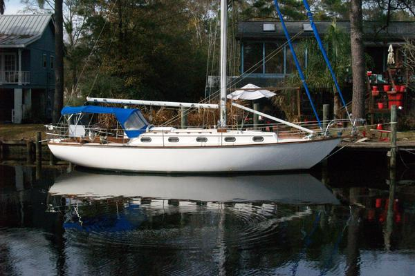 36-ft-Cape Dory-1980-36 Cutter-Aerobleu New Orleans Louisiana United States  yacht for sale