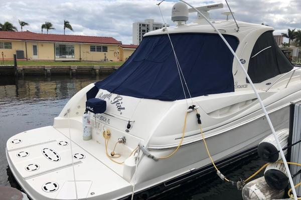 Picture Of: 52' Sea Ray 52 Sundancer 2007 Yacht For Sale | 2 of 48