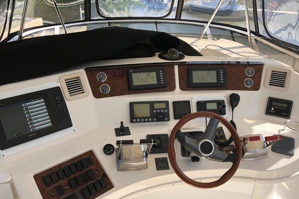 1999 Sea Ray 56 Sedan Bridge  Port Aft
