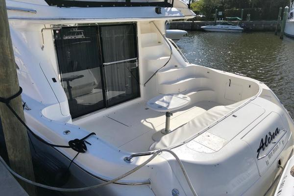 Picture Of: 56' Sea Ray 560 Sedan Bridge 1999 Yacht For Sale | 4 of 60