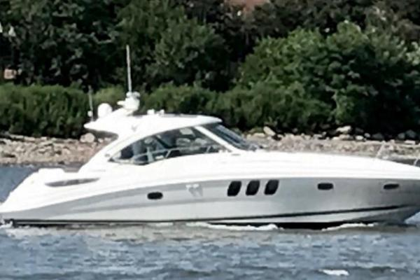 2005 Sea Ray 48 Sundancer  Port Aft