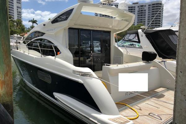 Picture Of: 40' Azimut 40S 2012 Yacht For Sale | 2 of 31