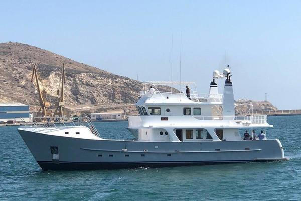 85-ft-Inace-1999-Explorer-Beleza of London Valencia  Spain  yacht for sale