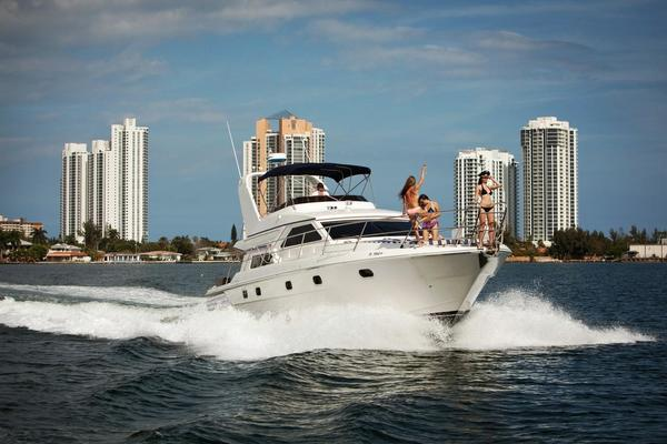 56' Gulf Craft Sport Flybridge Cruiser 2000 | Tiger Cat