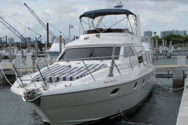 2000 Gulf Craft 56' Sport Flybridge Cruiser Tiger Cat | Picture 5 of 60
