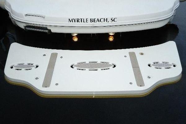2006 Sea Ray 34' Hydraulic Swim Platform & Bow Thruster Hydraulic Swim Platform & Bow Thruster | Picture 2 of 28