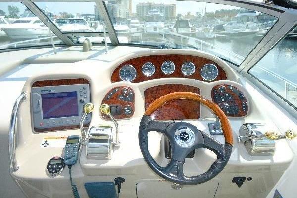 2006 Sea Ray 34' Hydraulic Swim Platform & Bow Thruster Hydraulic Swim Platform & Bow Thruster | Picture 6 of 28
