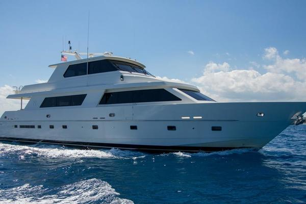 90' Hargrave Enclosed Bridge Motor Yacht 2001 | Common Cents