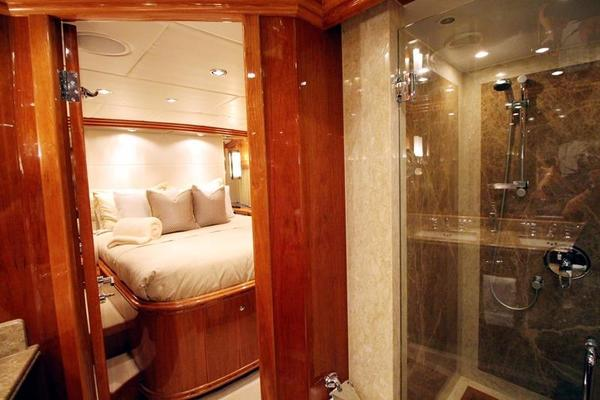 2009 Hargrave 101' Raised Pilot House Motor Yacht La Dolce Vita | Picture 7 of 64