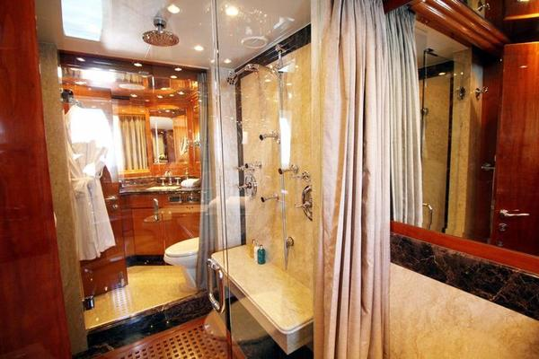 2009 Hargrave 101' Raised Pilot House Motor Yacht La Dolce Vita | Picture 8 of 64