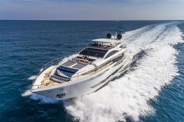 2020 Pearl 95' Pearl 95  IN PRODUCTION | Picture 7 of 78