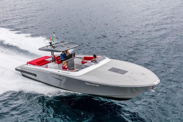 Canados 42' Gladiator Inboard 2018