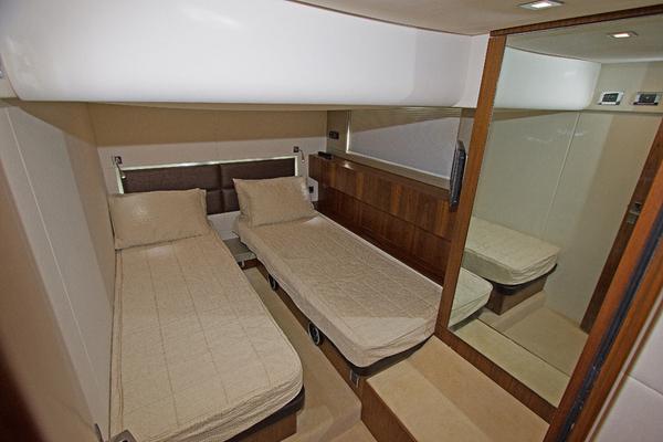 2012Fairline 50 ft D 11   SERENITY