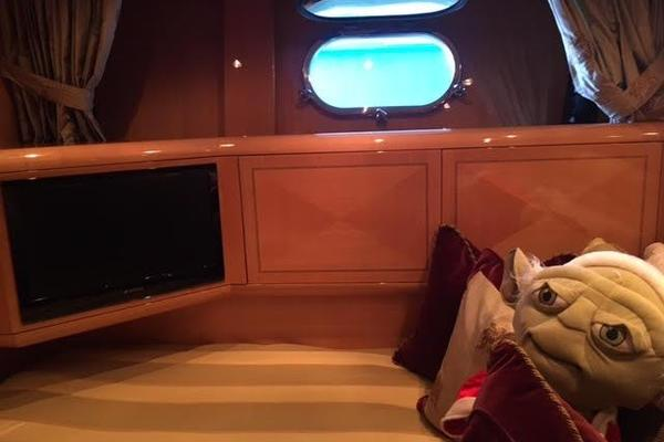 2001 Mangusta 105' 105  | Picture 3 of 31