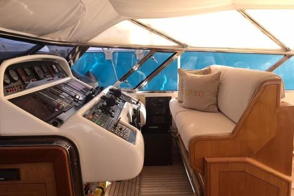 2001 Mangusta 105' 105  | Picture 8 of 31