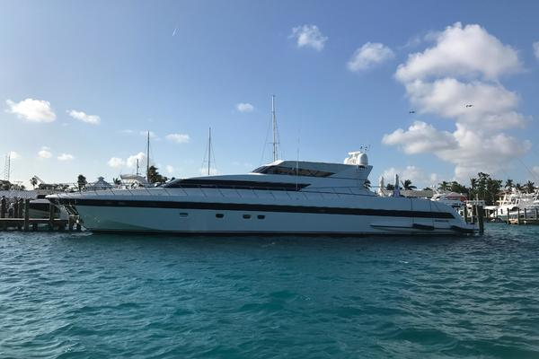 2001 Mangusta 105' 105  | Picture 2 of 31