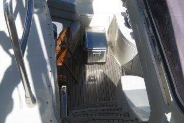 2006Azimut 62 ft 62E   NOT JUST DRYWALL