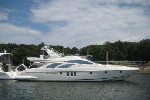 62' Azimut 62E 2006 | NOT JUST DRYWALL