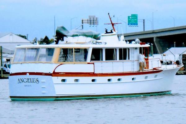 63' Trumpy Houseboat 1969 | Angelus