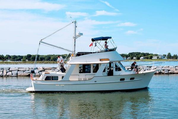 38' Pacific Seacraft Fast Trawler 2000 | Gratitude