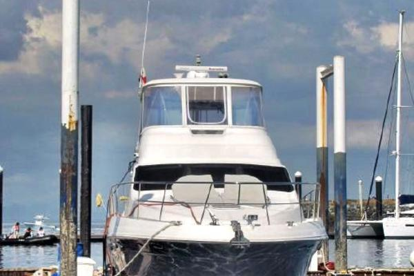 Picture Of: 58' Sea Ray 58 Sedan Bridge 2013 Yacht For Sale | 2 of 40