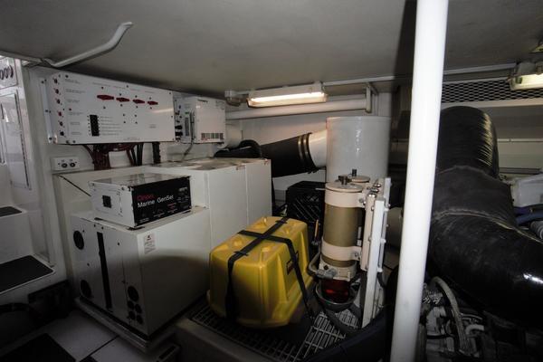 2000Viking 58 ft Convertible   Delta J