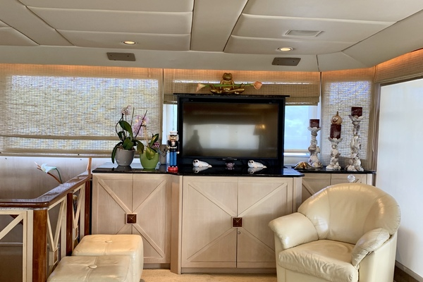 1990 Broward 92' Motor Yacht Northern V's | Picture 6 of 30