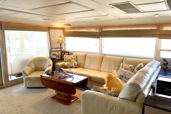 1990 Broward 92' Motor Yacht Northern V's | Picture 5 of 30