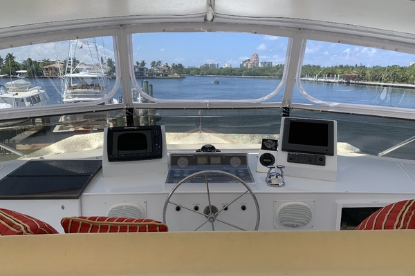 1990 Broward 92' Motor Yacht Northern V's | Picture 7 of 30