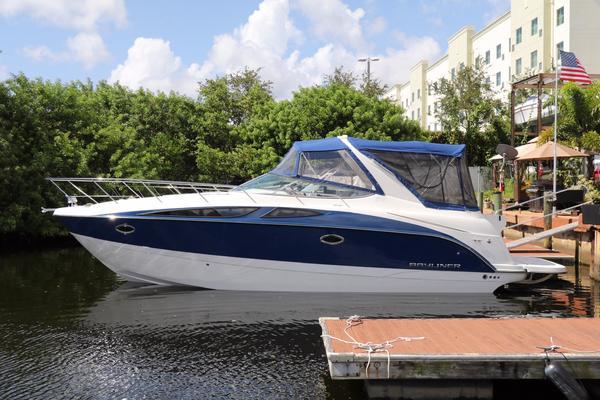 Bayliner 35' 350 Sport Cruiser 2015