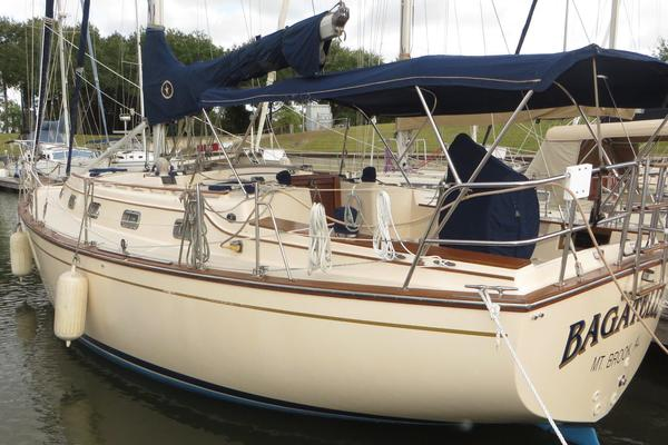 37' Island Packet 37 1996 | Bagatelle