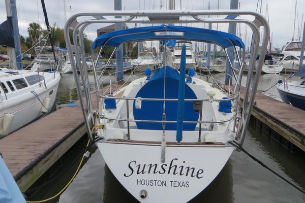1982Tartan 37 ft 37   Sunshine