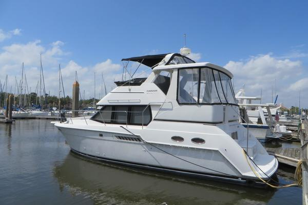 35' Carver 356 Aft Cabin Motor Yacht 1999 | White Witch