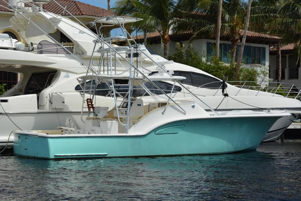 38' Out Island Sport Fish 2003 |