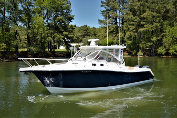 Picture Of: 33' Edgewater 335EX Express 2014 Yacht For Sale | 4 of 45