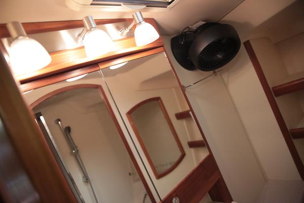 2006Hunter 44 ft 44 Deck Salon   Serenity