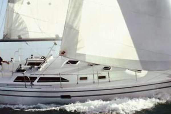 36' Catalina 36 MkII 2000 | Nautical Weaver